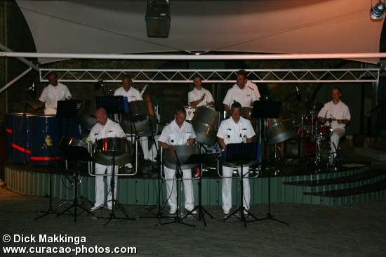 Steelband dutch Navy in Rif Fort.