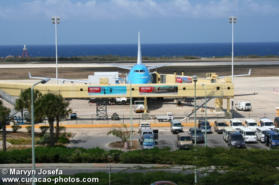 KLM boeing at Curaçao International Airport
