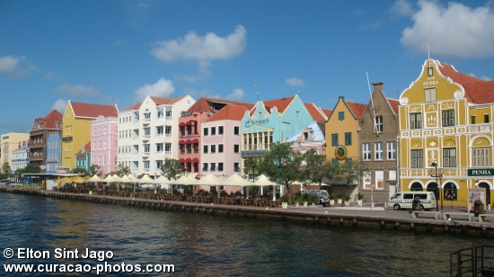 Handelskade waterfront, Willemstad