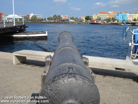 cannon harour curacao